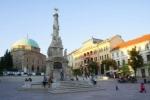 A főtér (Széchenyi tér) a dzsámival