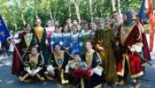 A Debreczeni Arany-keresztes lovagok, középen a hadapród: én